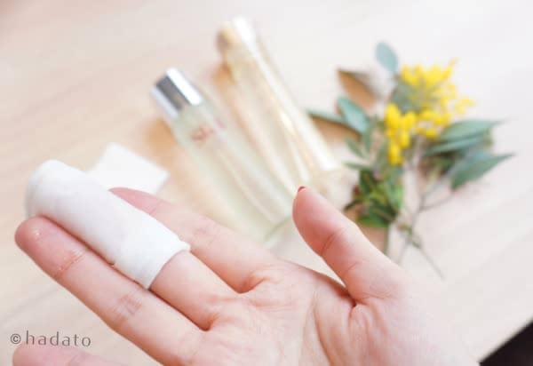 化粧水,コットン,手,付け方,スキンケア
