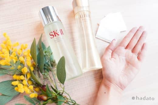 化粧水は手とコットンどっちでつけるべき?